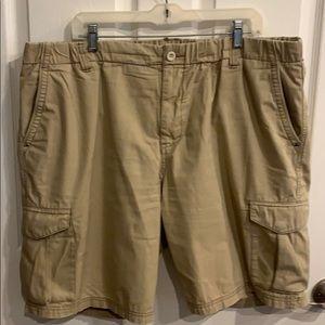 Tommy Bahama men's tan cargo shorts XXL